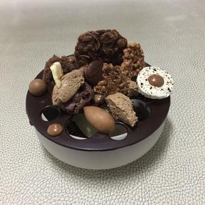 Fantasie van chocolade/caramel en vanille ijs