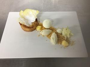 Warm appeltaartje met structuren van appel