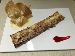 Warm appeltaartje met vanille ijs in de oven